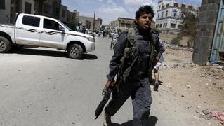 Seg1 yemen turmoil explosion mosque houthi rebels 4