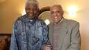 """One of Our Greatest Friends"": Mandela's Cellmate Thanks Sweden for Helping Anti-Apartheid Struggle"
