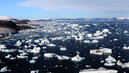 Glaciers_and_icebergs_at_cape_york