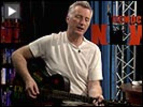 Bragg guitar button
