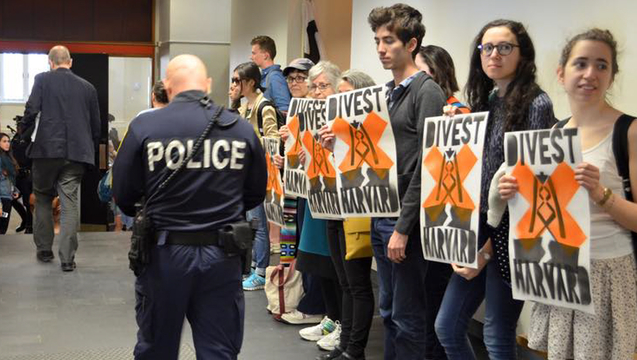 Harvard heat week divestment fossil fuels 5