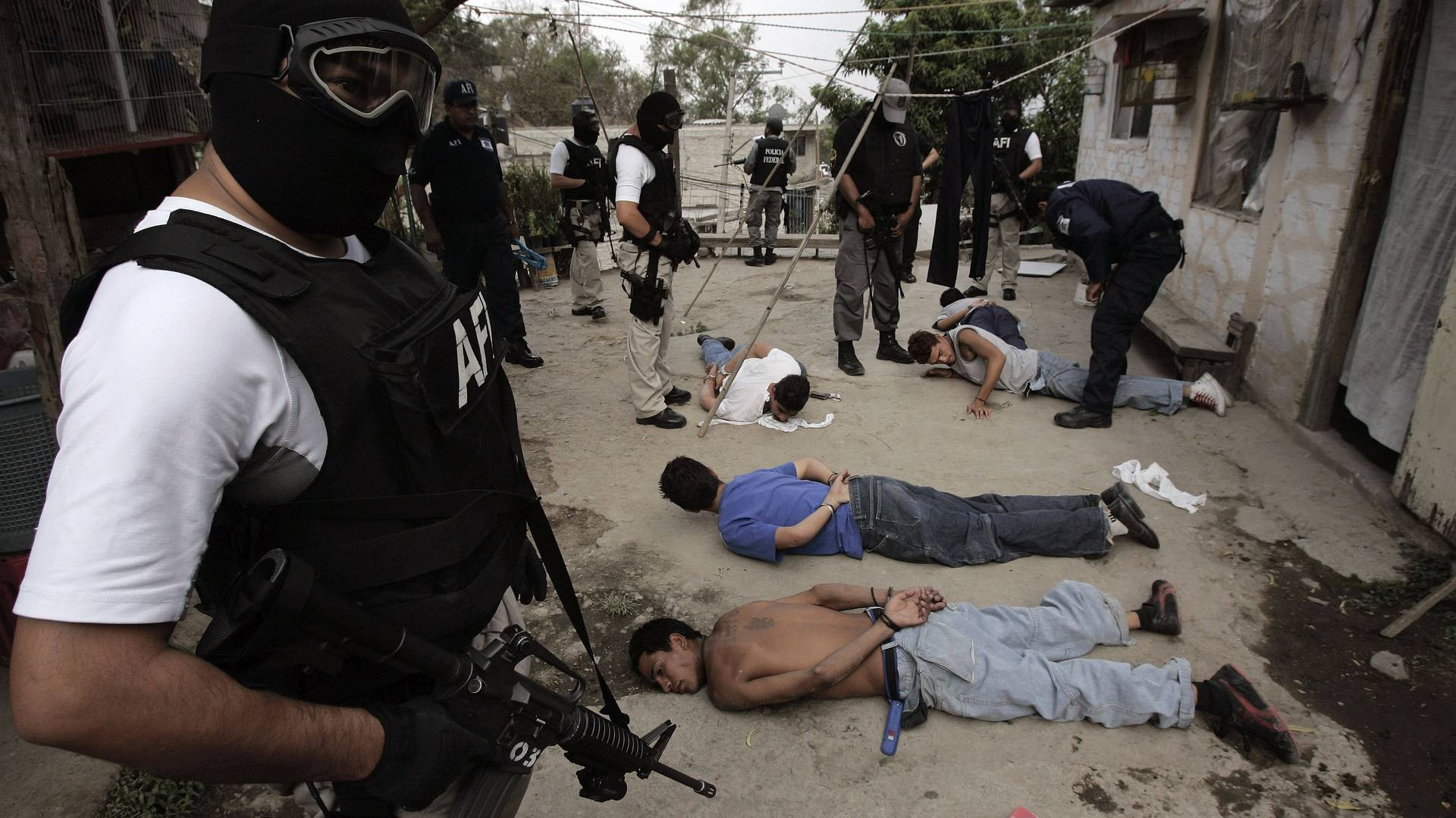 drug trafficking in mexico Drug trafficking and organized crime  gins of drug control in the  the latin american program and its institutes on mexico and brazil serve as a bridge between.